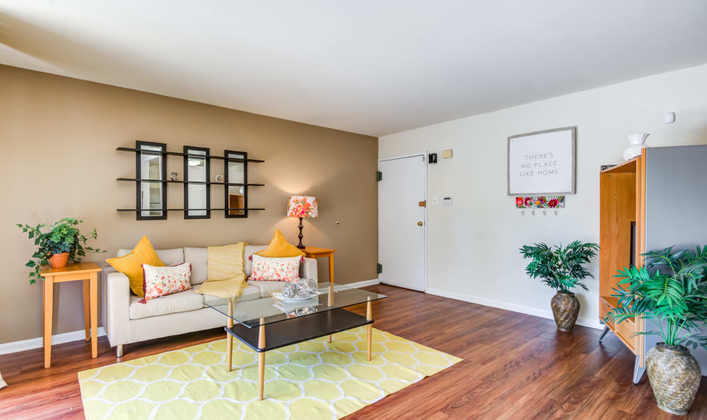 Capital Crossing in Suitland, Maryland offers a spacious living room