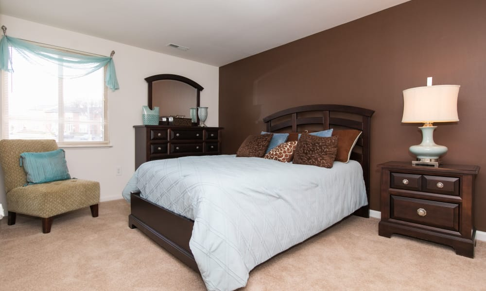 Skylark Pointe Apartment Homes offers a modern bedroom in Parkville, Maryland
