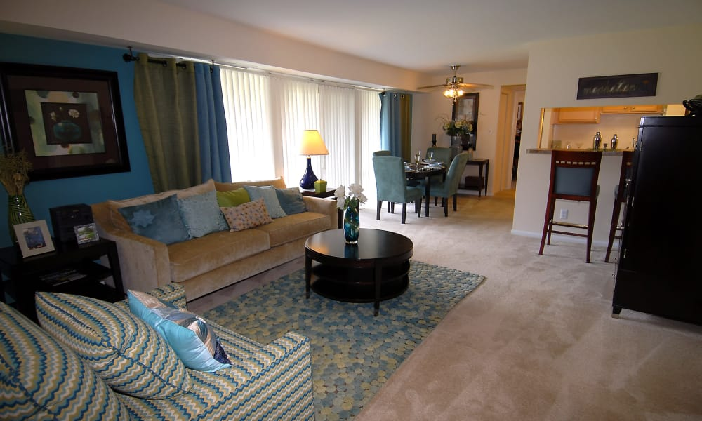 Enjoy a luxury living room at Harbor Place Apartment Homes