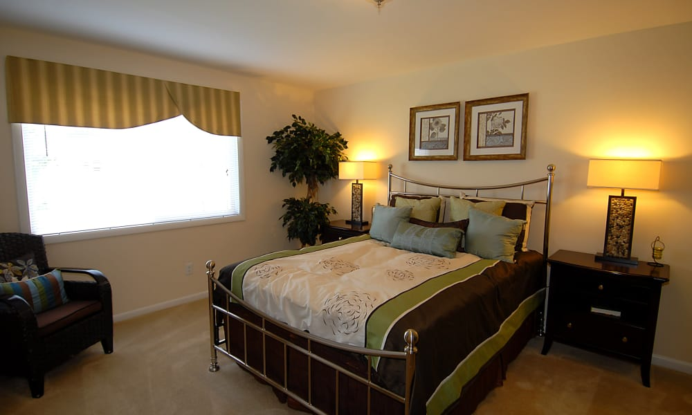Our apartments in Fort Washington, Maryland showcase a modern bedroom