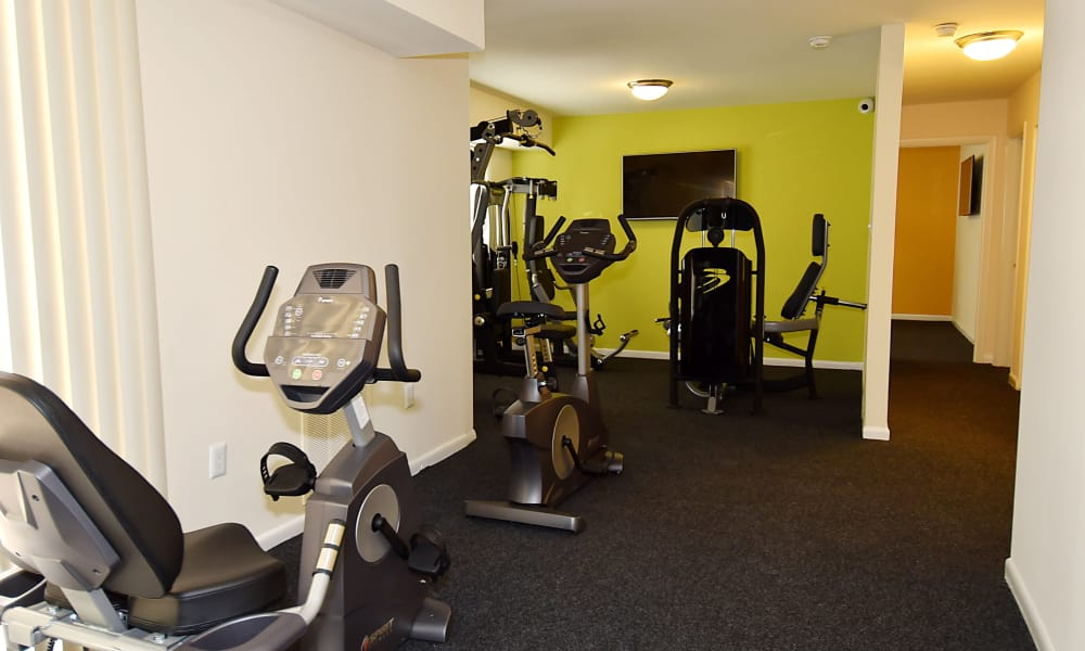 Fitness center at Harbor Place Apartment Homes in Fort Washington, Maryland