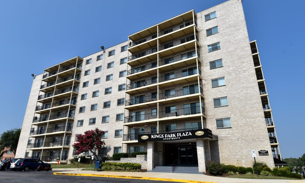 Exterior view of Kings Park Plaza Apartment Homes in Hyattsville, Maryland