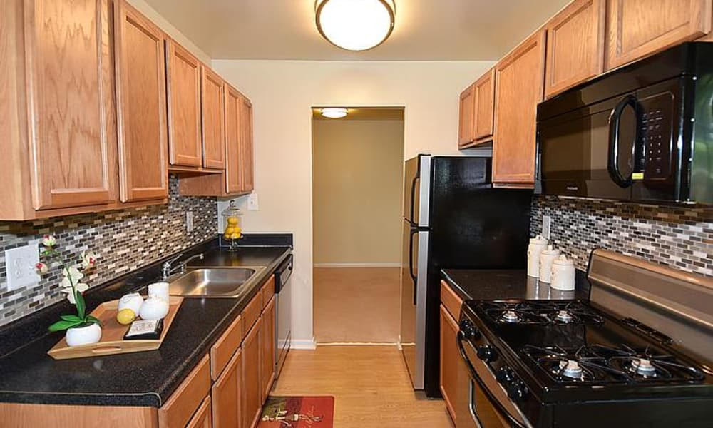 Beautiful kitchen at Montgomery Trace Apartment Homes in Silver Spring, Maryland