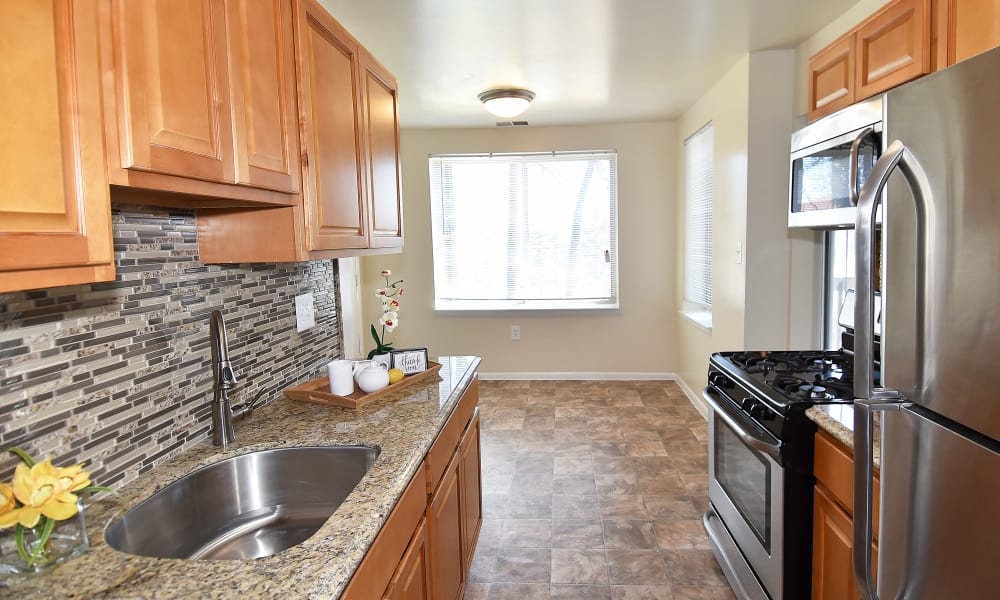 Montgomery Trace Apartment Homes offers a kitchen in Silver Spring, Maryland