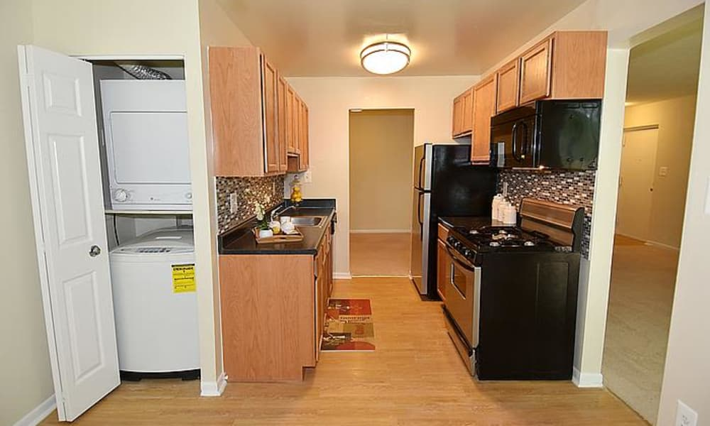 Enjoy a beautiful kitchen at Montgomery Trace Apartment Homes