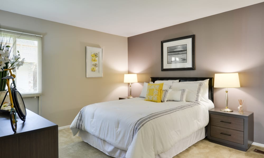 Enjoy apartments with a modern bedroom at The Colony at Towson Apartments & Townhomes