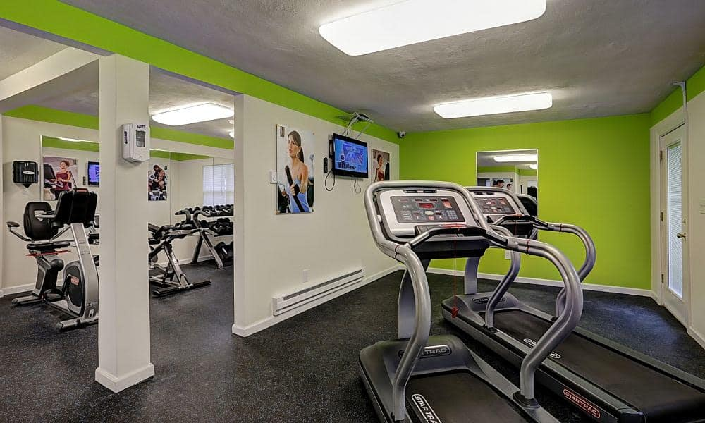 Enjoy apartments with a modern fitness center at Eatoncrest Apartment Homes