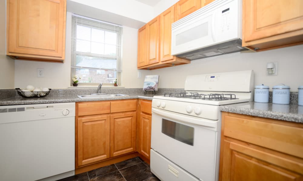 Nieuw Amsterdam Apartment Homes in Marlton, NJ provides residents a fully equipped kitchen