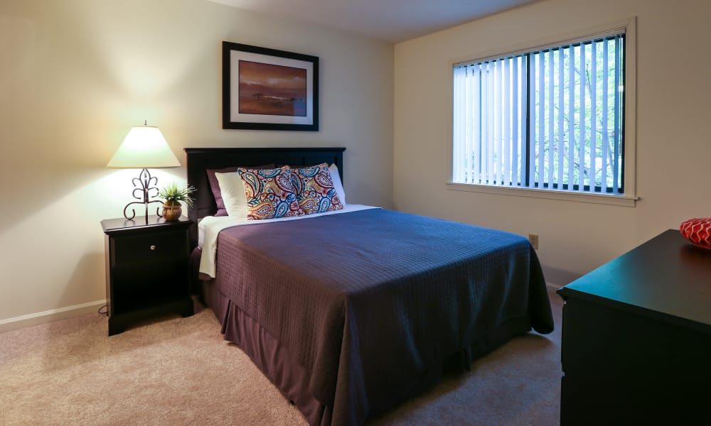 Riverwind Apartment Homes offers a beautiful bedroom in Spartanburg, South Carolina
