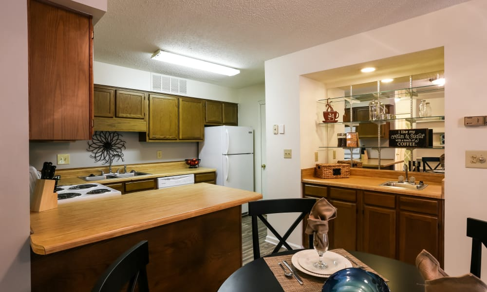 Riverwind Apartment Homes offers a spacious kitchen in Spartanburg, South Carolina