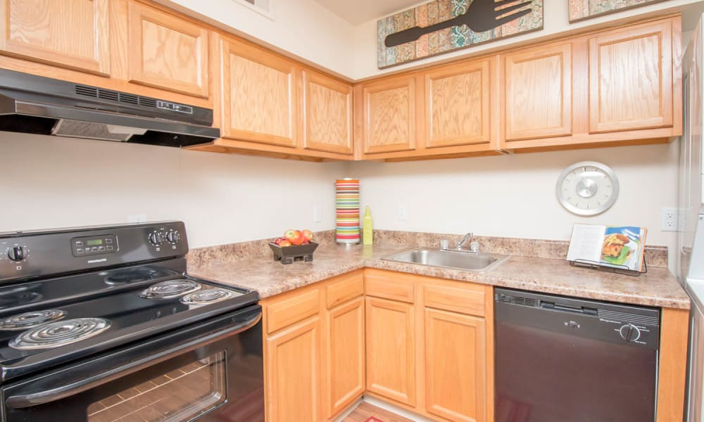 Kitchen at Monarch Crossing Apartment Homes in Newport News, Virginia