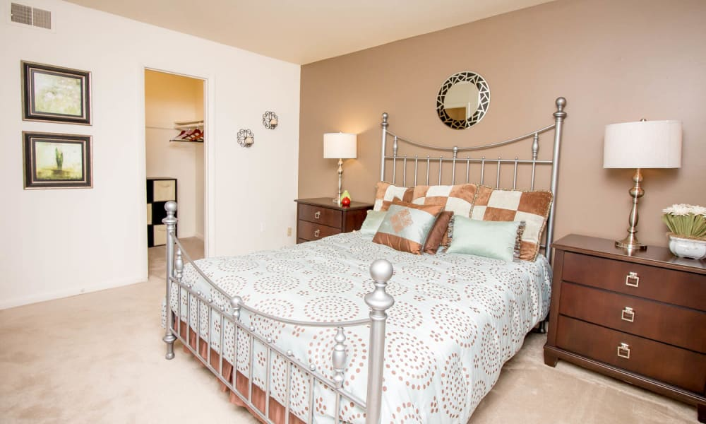 Monarch Crossing Apartment Homes offers a beautiful bedroom in Newport News, Virginia