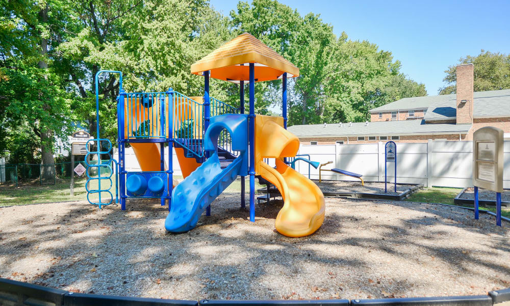 Duncan Hill Apartments & Townhomes offers a playground in Westfield, New Jersey