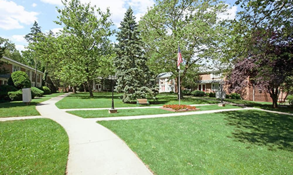 Neighborhood at Duncan Hill Apartments & Townhomes in Westfield, New Jersey