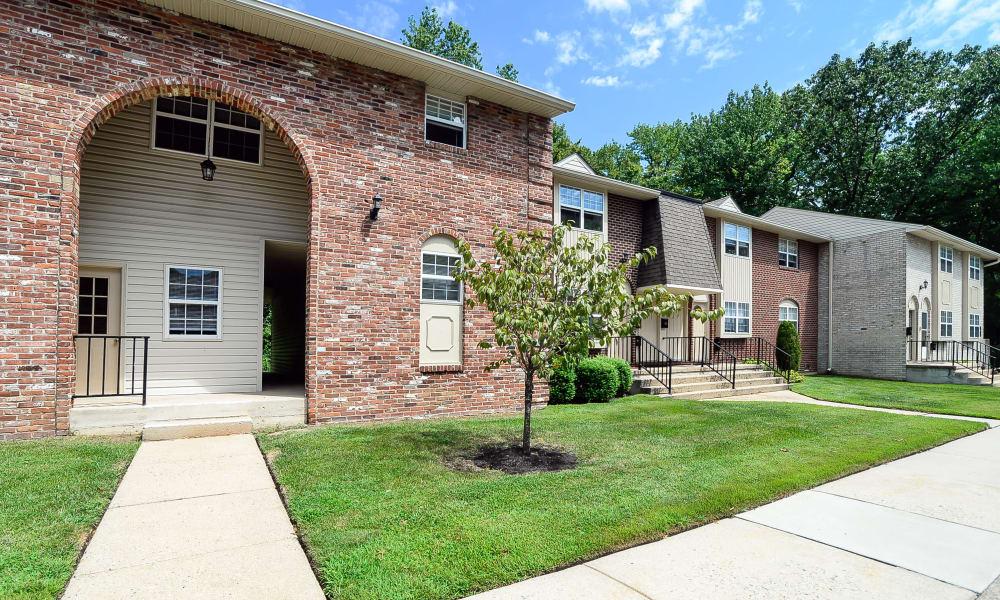 Inviting walkway up to Moorestowne Woods Apartment Homes in Moorestown, NJ