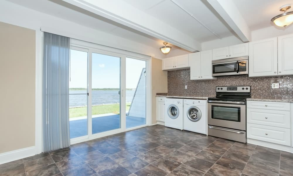 Another view of the kitchen at Mariners Cove Apartment Homes in Toms River, NJ