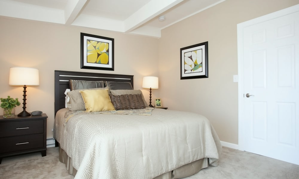 A well decorated bedroom at Mariners Cove Apartment Homes in Toms River, NJ