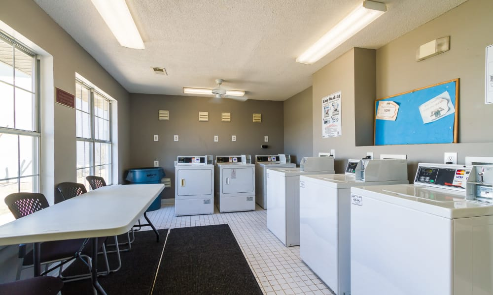Castlegate Commons Apartments laundry center in Bonaire, GA
