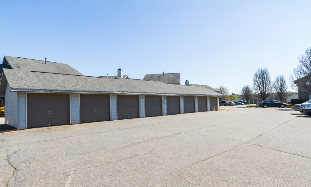 Garages available at Castlegate Commons Apartments in Bonaire, GA