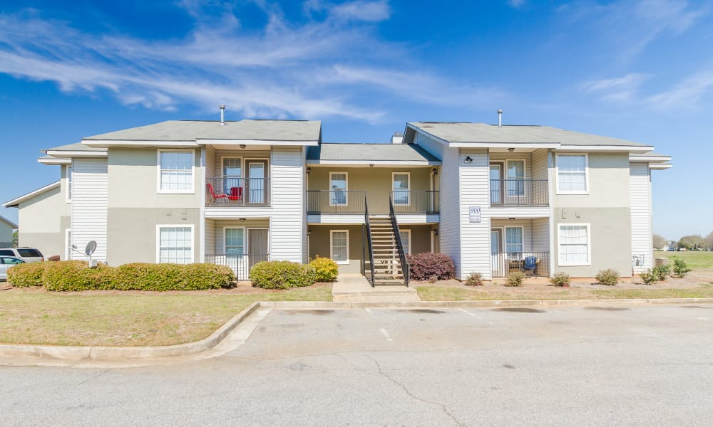 Castlegate Commons Apartments offers apartments fo rent in Bonaire, GA