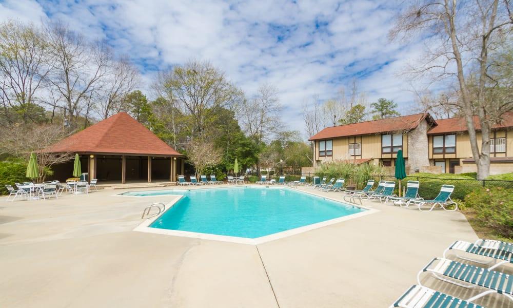Castlegate Windsor Park Apartments large pool