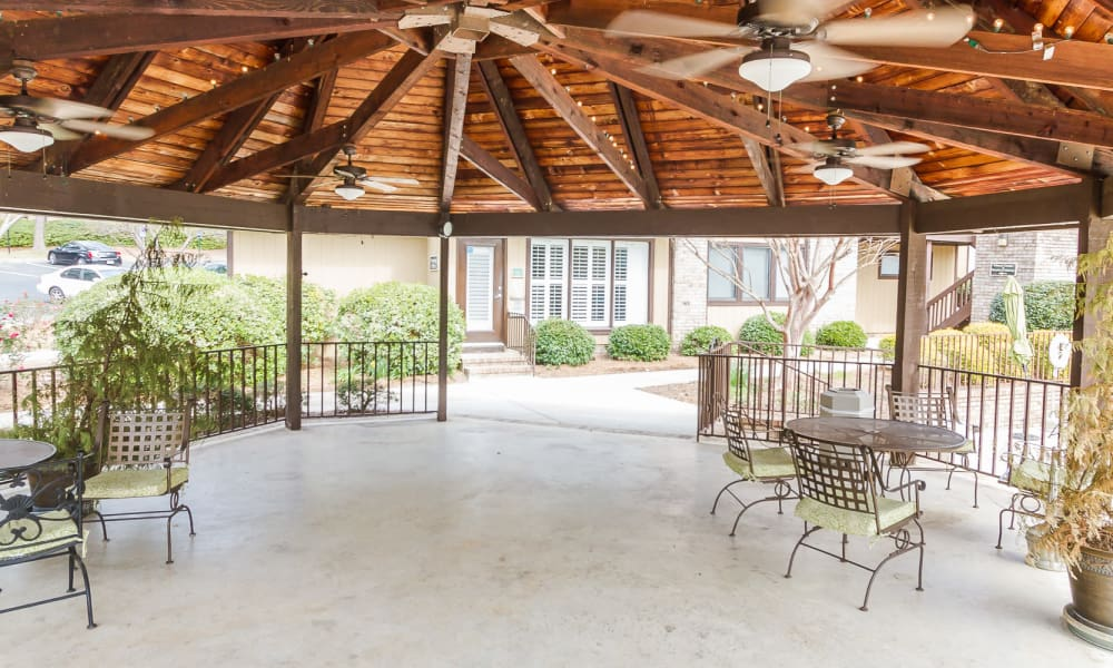 Easy access to large gazebo at Castlegate Windsor Park Apartments in Columbus