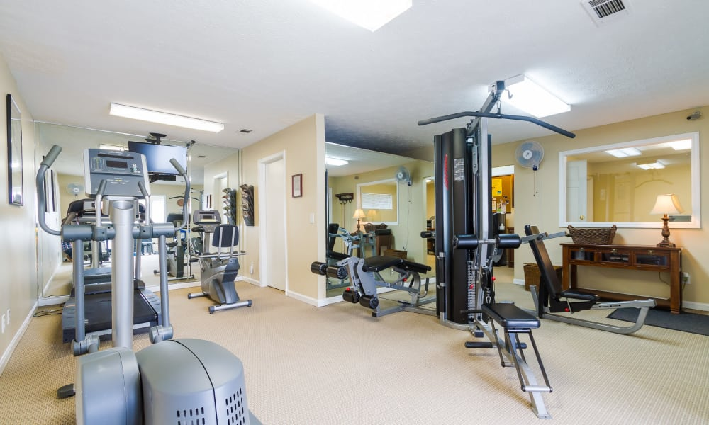 Castlegate Windsor Park Apartments fitness area in Columbus