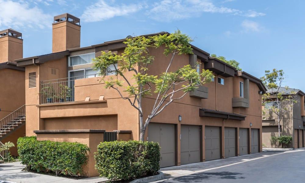 Apartment building at Seapointe Villas in Costa Mesa, CA