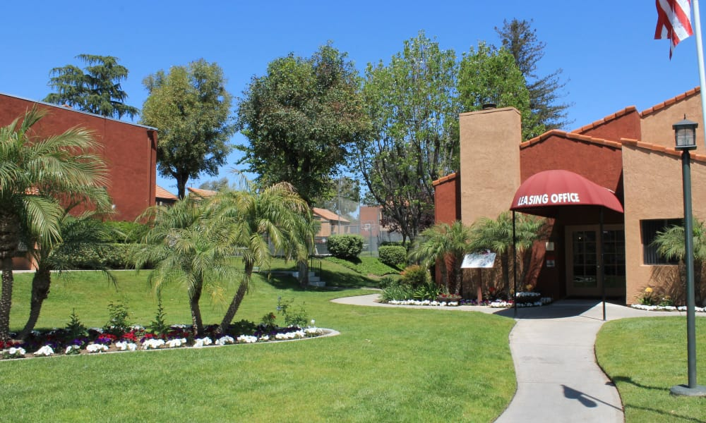 Spacious walking paths at apartments in West Covina, California