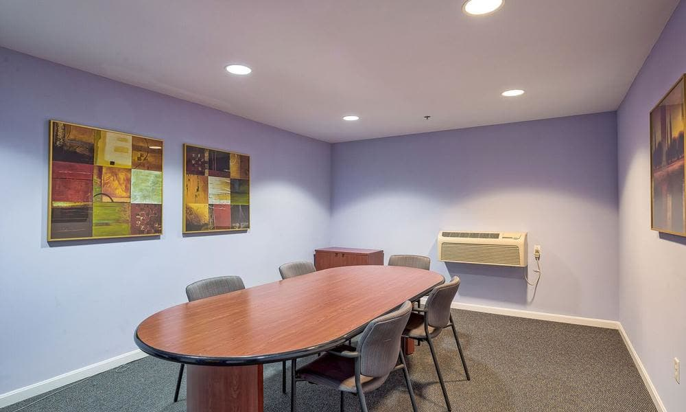 Beautiful Meeting room at apartments in Washington, District of Columbia