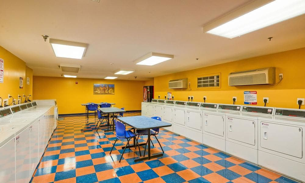 400 M Street offers a beautiful laundry facility in Washington, District of Columbia