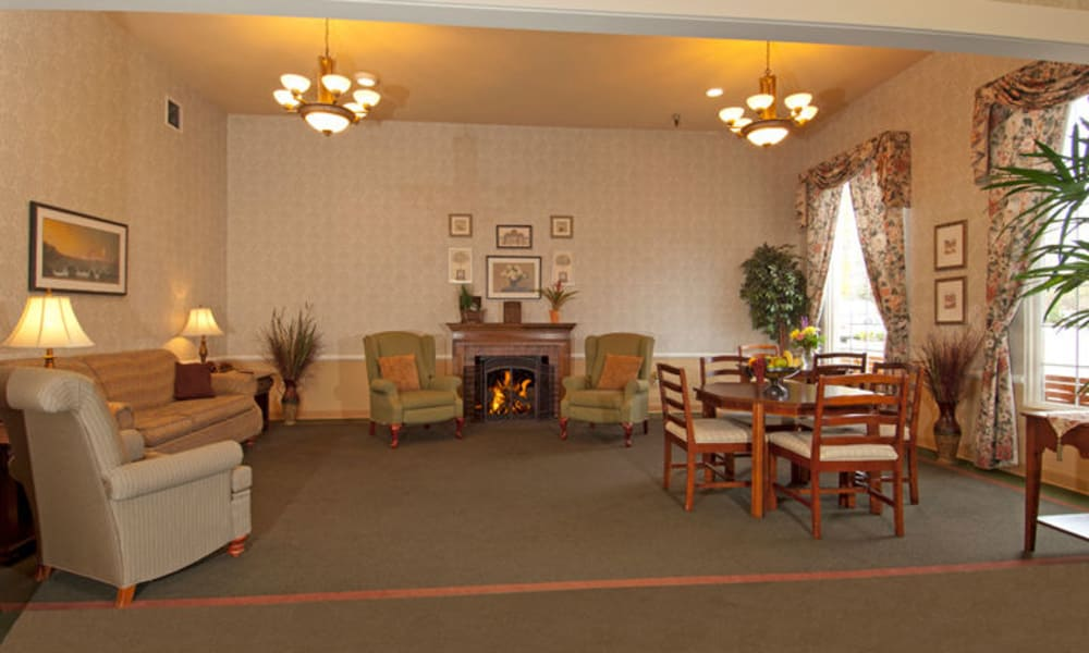 Fireside lounge at GenCare Lynnwood at Scriber Gardens
