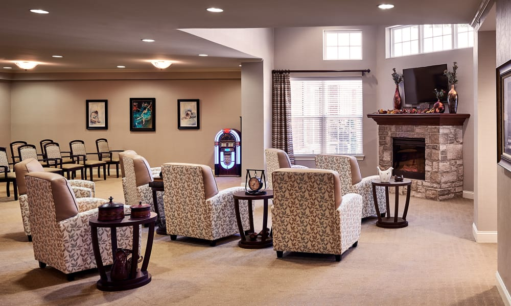 Main lounge at Waltonwood Cotswold in Charlotte, NC