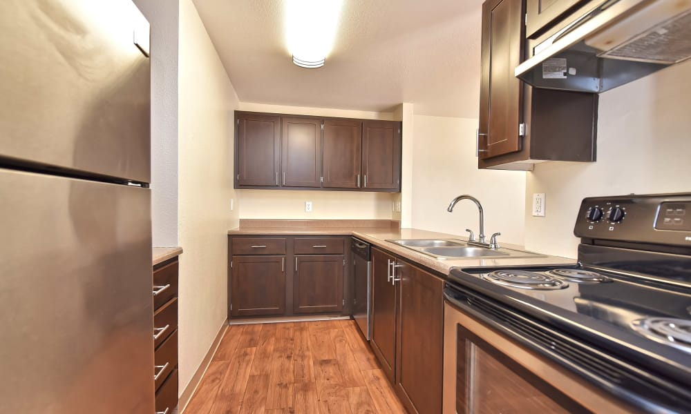 Preserve at Sunnyside Apartments offers a luxury kitchen in Clackamas, Oregon