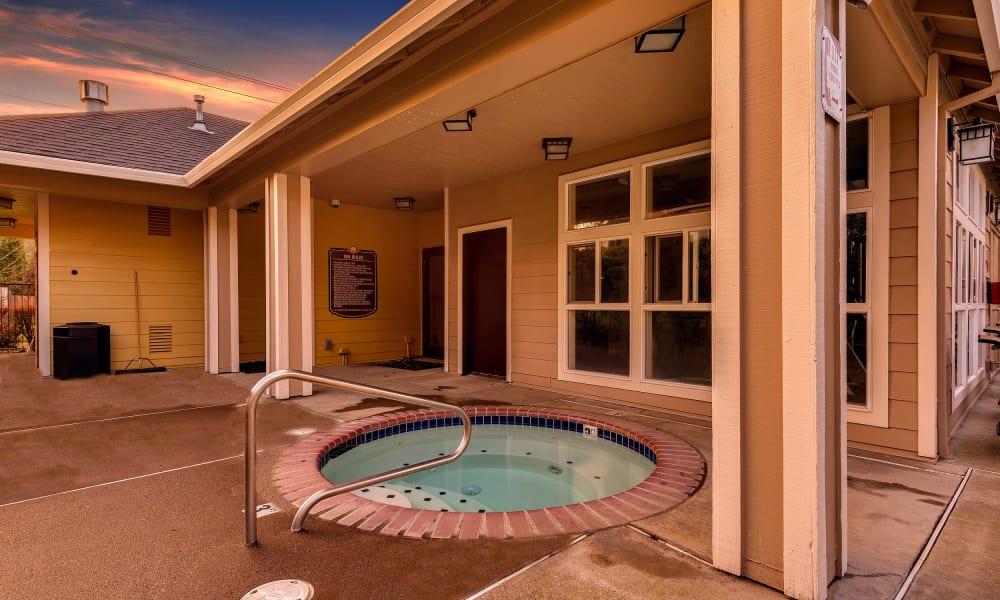 Hot tub at Preserve at Sunnyside Apartments in Clackamas, Oregon