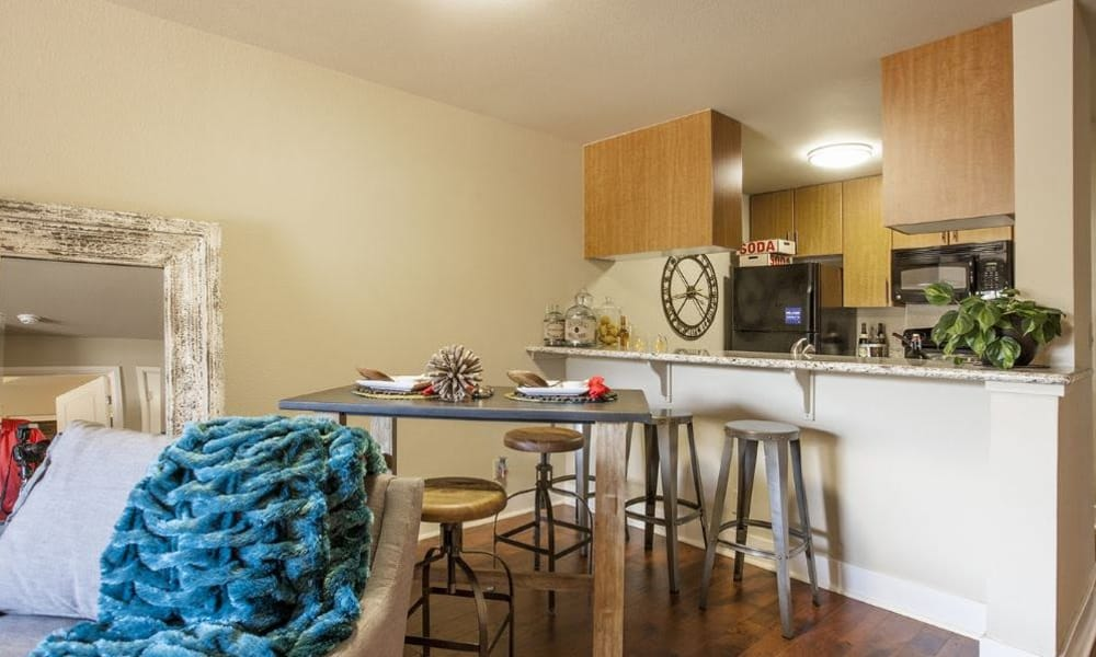15Fifty5 Apartments dining area in Walnut Creek