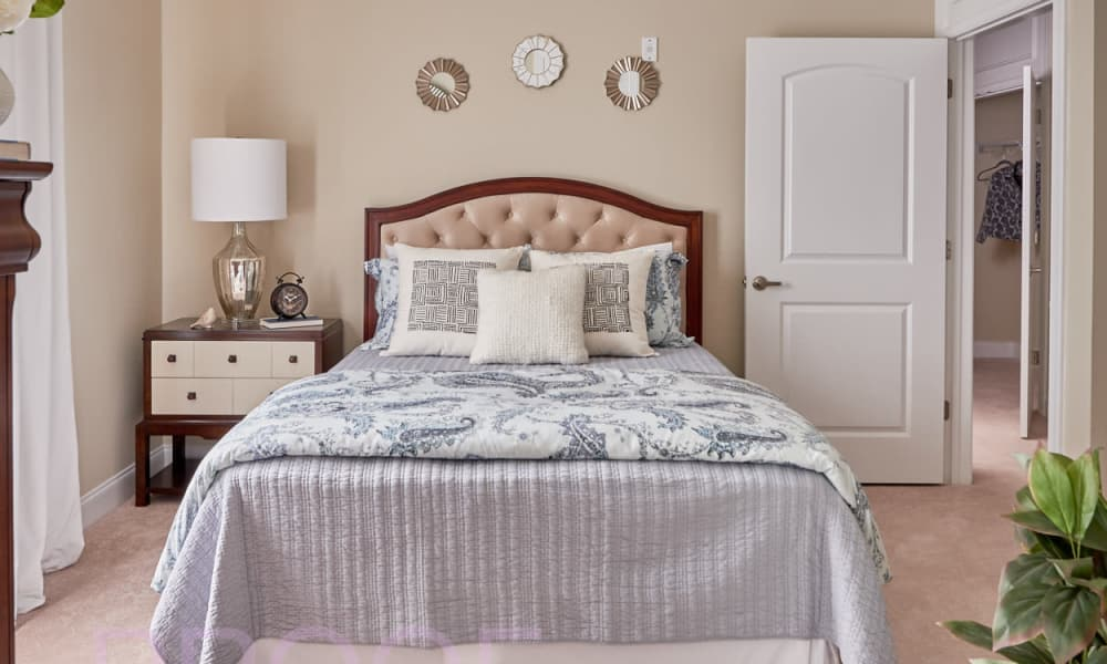 Bedroom for two at Waltonwood Lake Boone