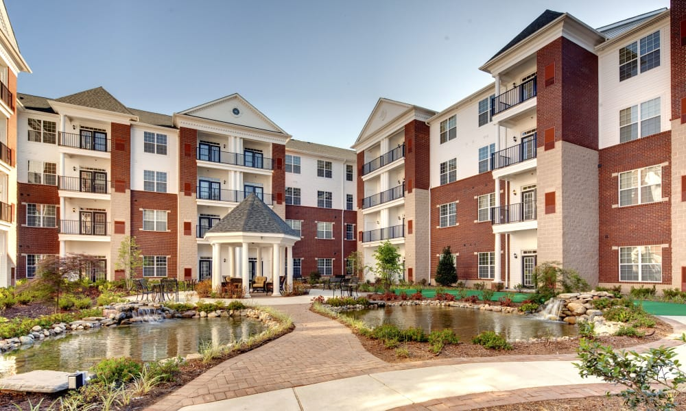 Courtyard at Waltonwood Cary Parkway