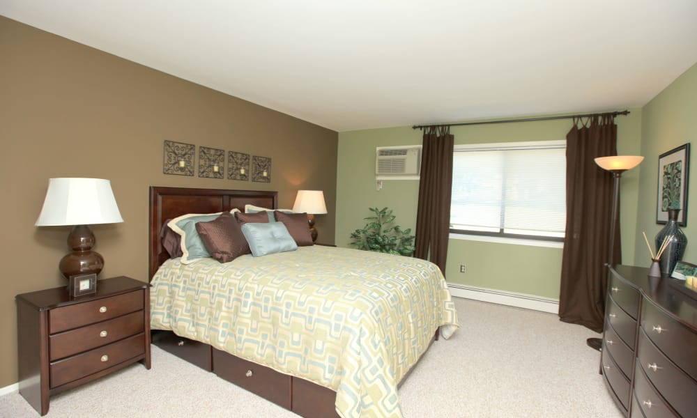 Chelsea Ridge Apartments offers a naturally well-lit bedroom in Wappingers Falls, NY
