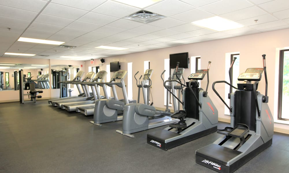 Chelsea Ridge Apartments offers a fitness center in Wappingers Falls, NY