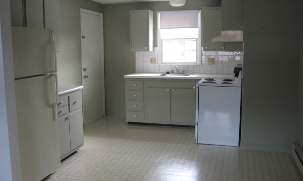 Coachlight Village offers a kitchen in Agawam, MA