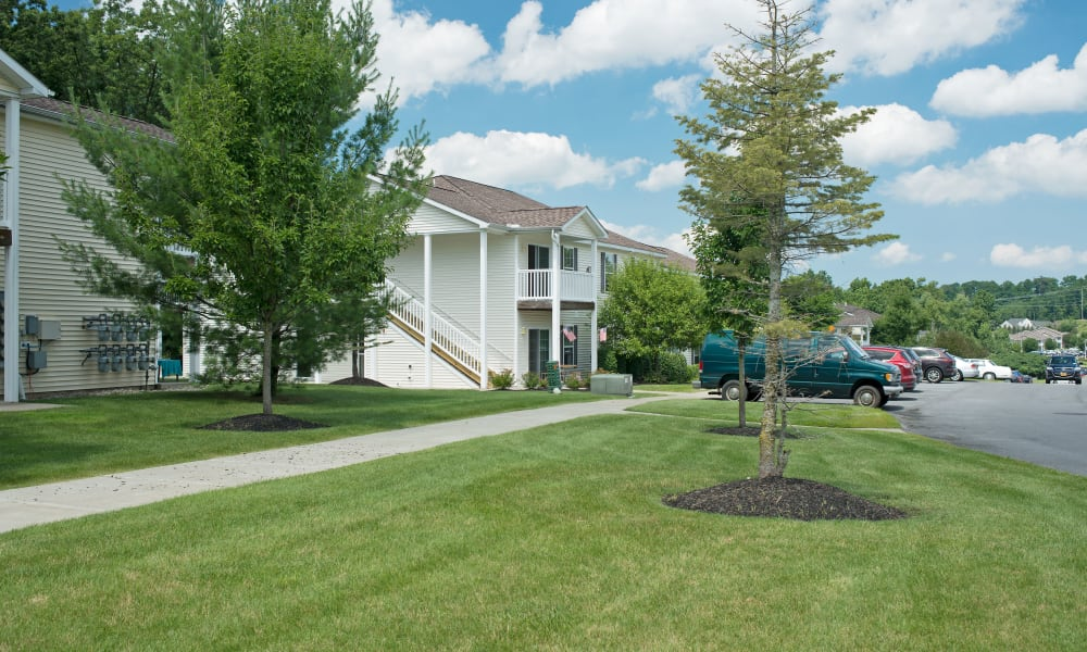 Well Maintained Lawn  at Forrest Pointe Apartments and Townhomes in East Greenbush, NY
