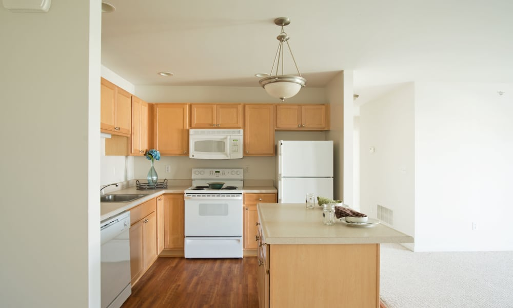 Hampton Run offers a fully equipped kitchen in Glenville, NY