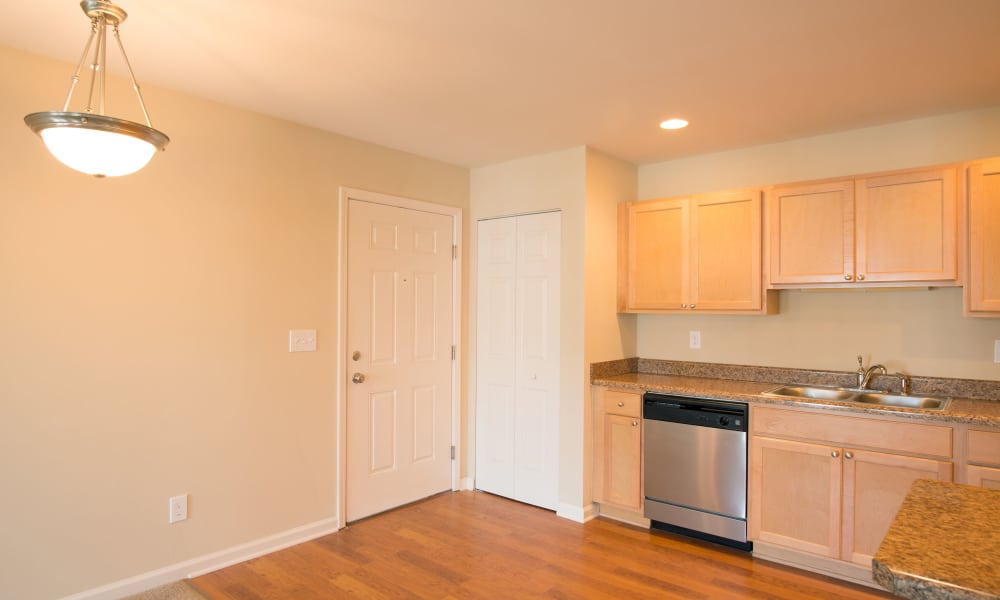 Kendall Square Apartments offers a kitchen in Delmar, NY