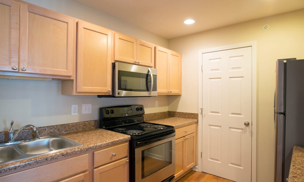 Enjoy apartments with a fully equipped kitchen at Kendall Square Apartments