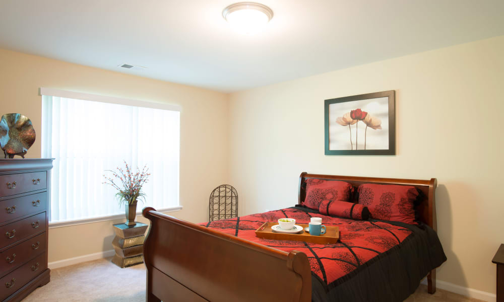 Stonebridge Enclave offers a naturally well-lit bedroom in Ballston Lake, NY