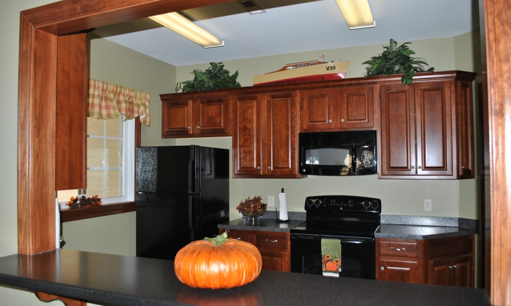 The Fairways at Timber Banks offers a kitchen in Baldwinsville, NY