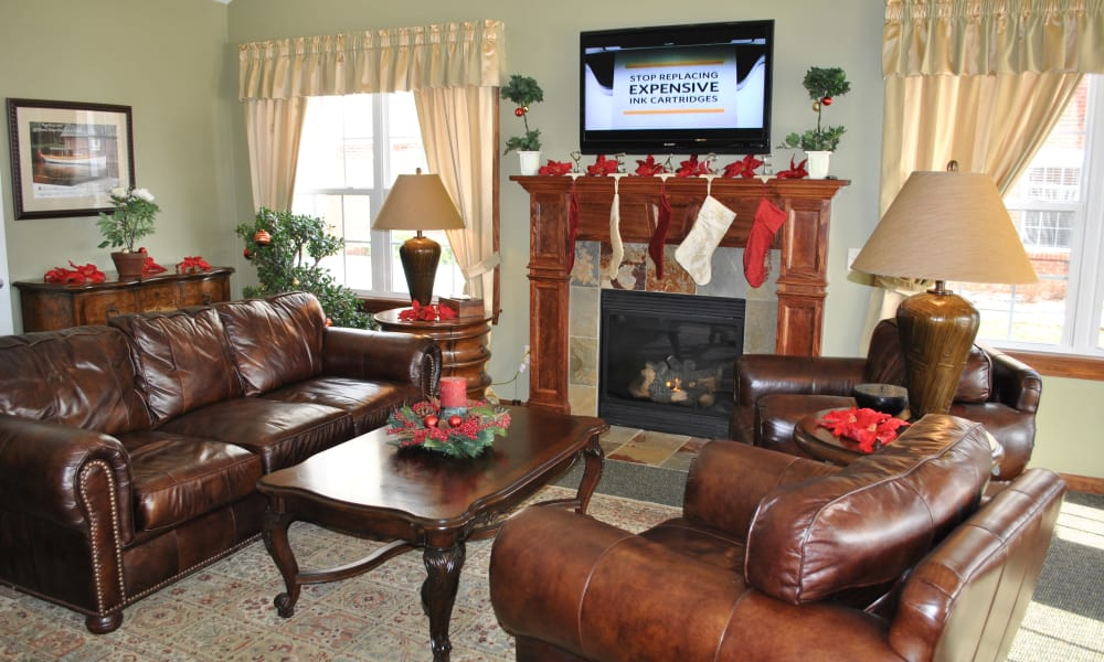 The Fairways at Timber Banks offers a living room in Baldwinsville, NY