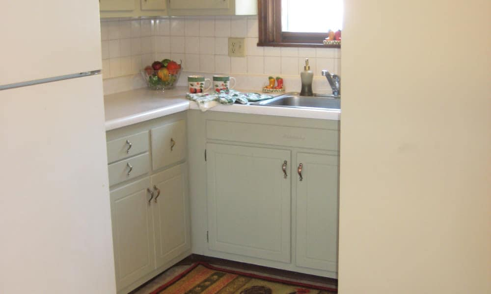 Great apartment features at Van Deene Manor in West Springfield, MA