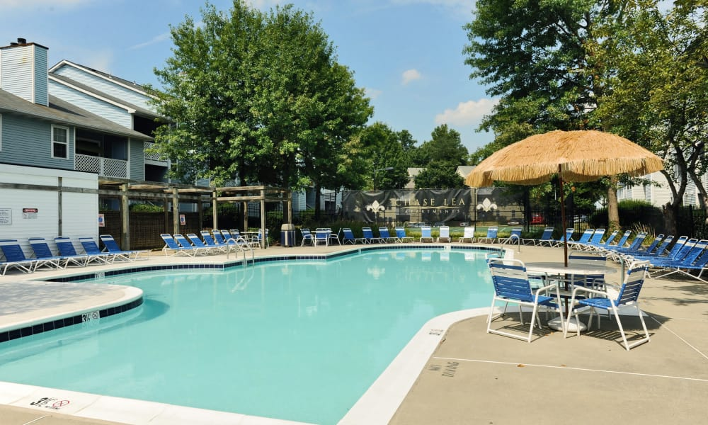 Chase Lea Apartment Homes offers a swimming pool in Owings Mills, MD